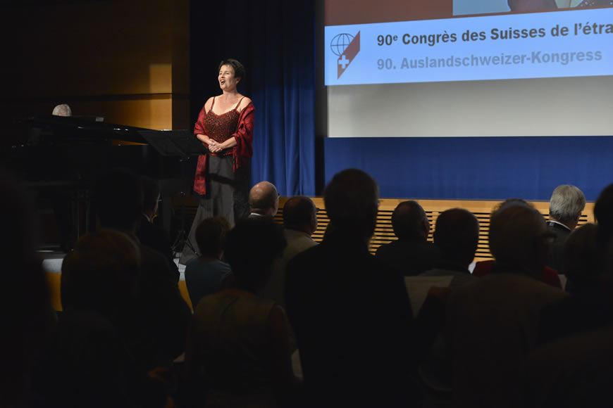 Manuela Garrido, Sopran, Auftritt am Auslandschweizerkongress 2012