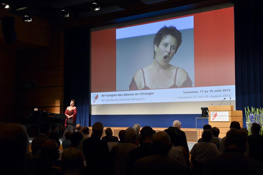 Manuela Garrido, Sopran, Auftritt am Auslandschweizerkongress 2012 in Lausanne