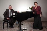 Manuela Garrido, Sopran und Bruno Wyss, Piano